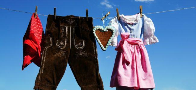 Lederhose reinigen: zuverlässig Flecken und Gerüche entfernen