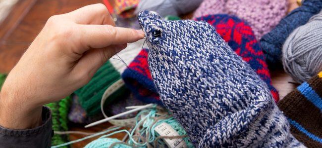 Loch in Textilien stopfen: Einfache Anleitung für Anfänger