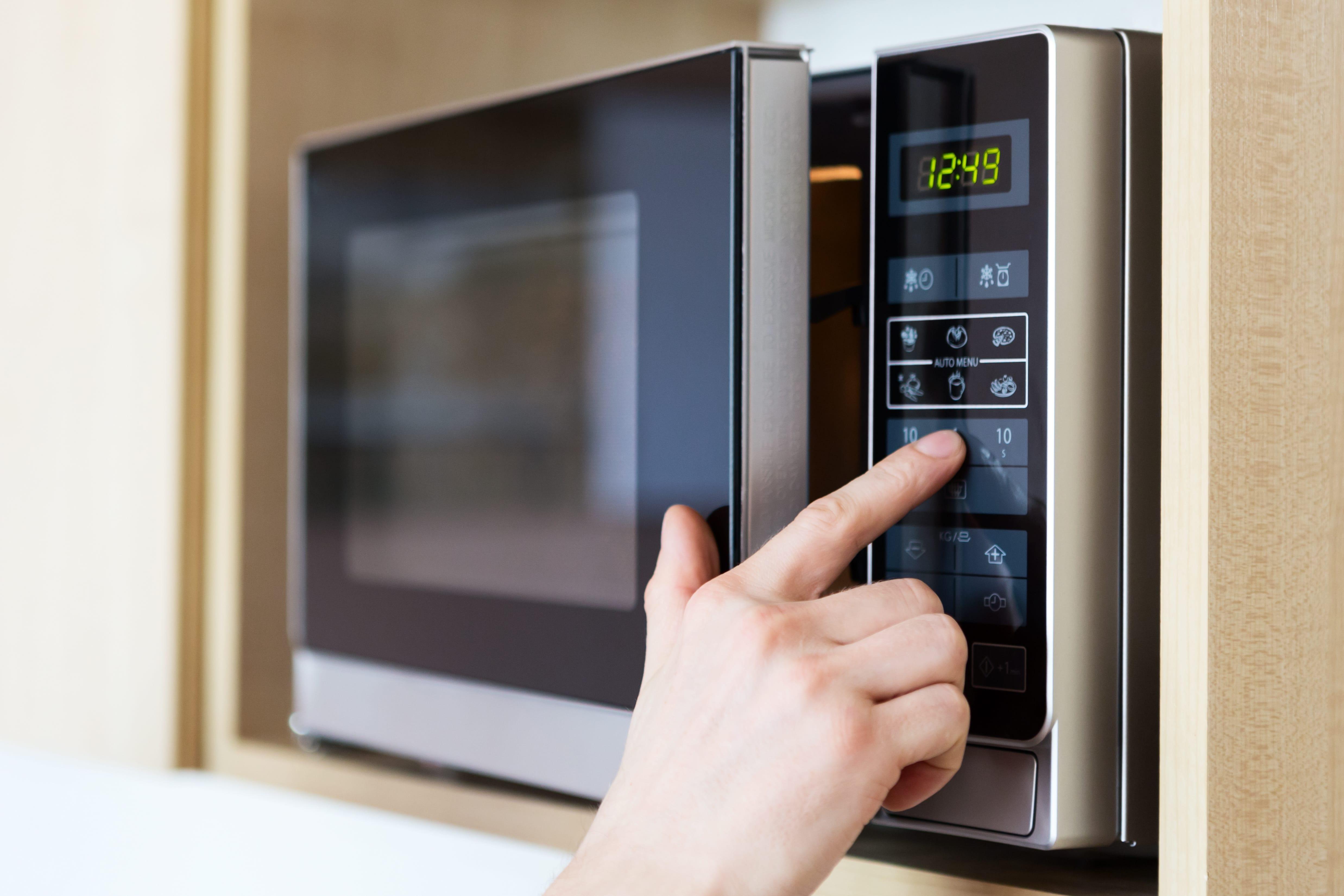 mit der mikrowelle kochen vorteile und nachteile. Black Bedroom Furniture Sets. Home Design Ideas