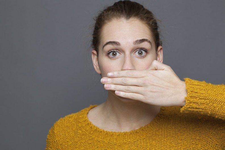 Hausmittel gegen Mundgeruch – 10 Tipps