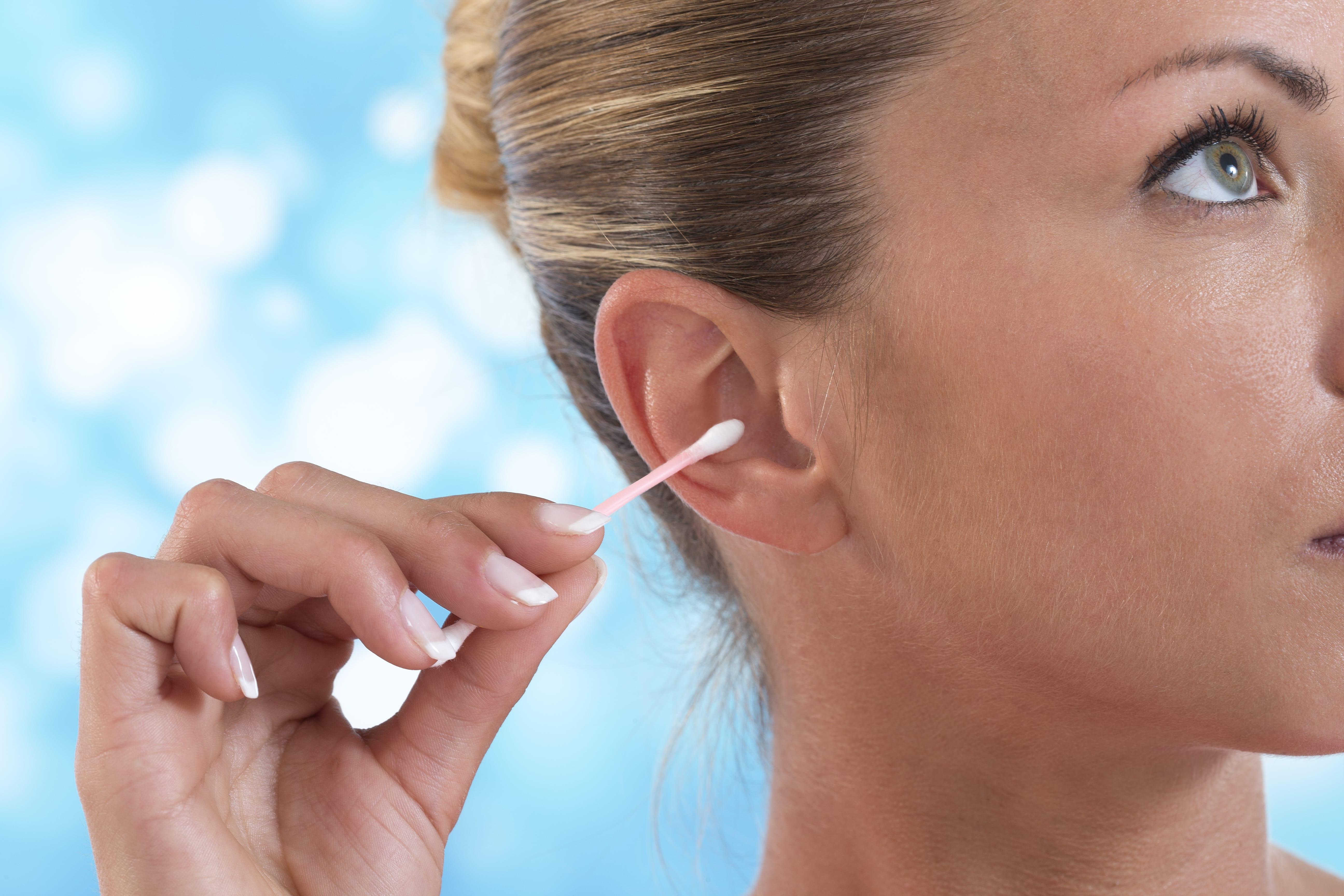 Ohrenschmalz entfernen – 4 Tipps