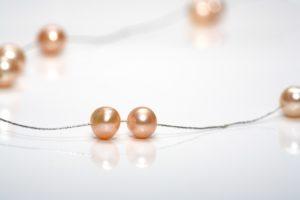 eine kette mit perlen basteln