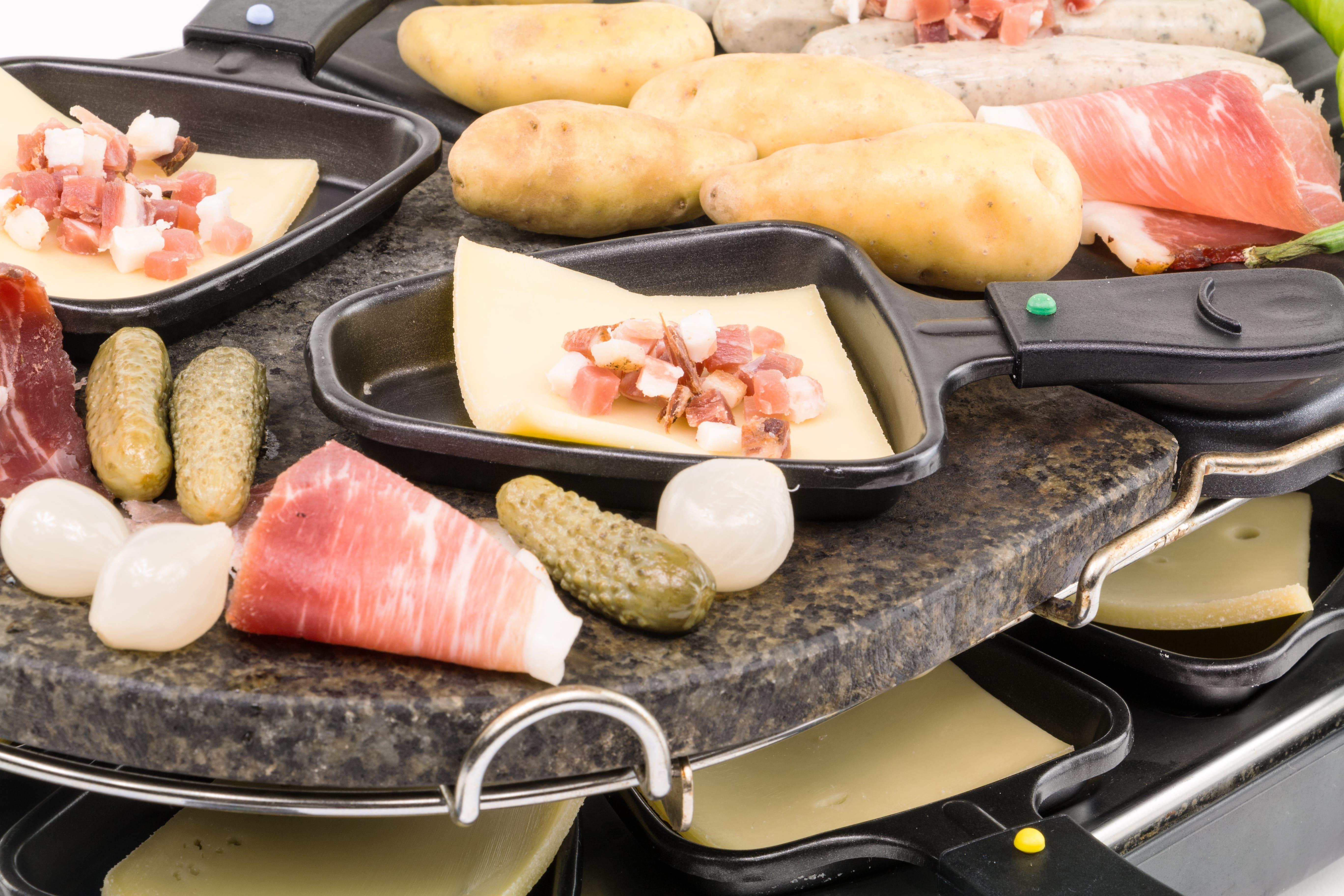 Raclette: Vorbereitung und Tipps für ein gelungenes Silvester-Essen