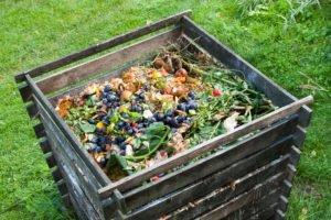 Offener Komposter aus Holz