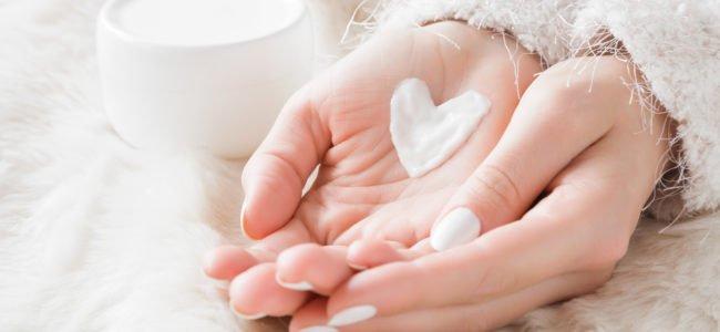 Rissige Hände: Was hilft wirklich? Die besten Pflegetipps