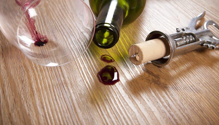 Rotweinflecken entfernen – 8 Tipps & Tricks