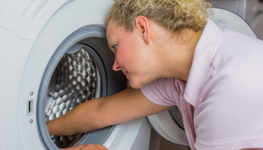 Schimmel in der Waschmaschine – 9 Tipps zur schnellen Reinigung und Vorbeugung