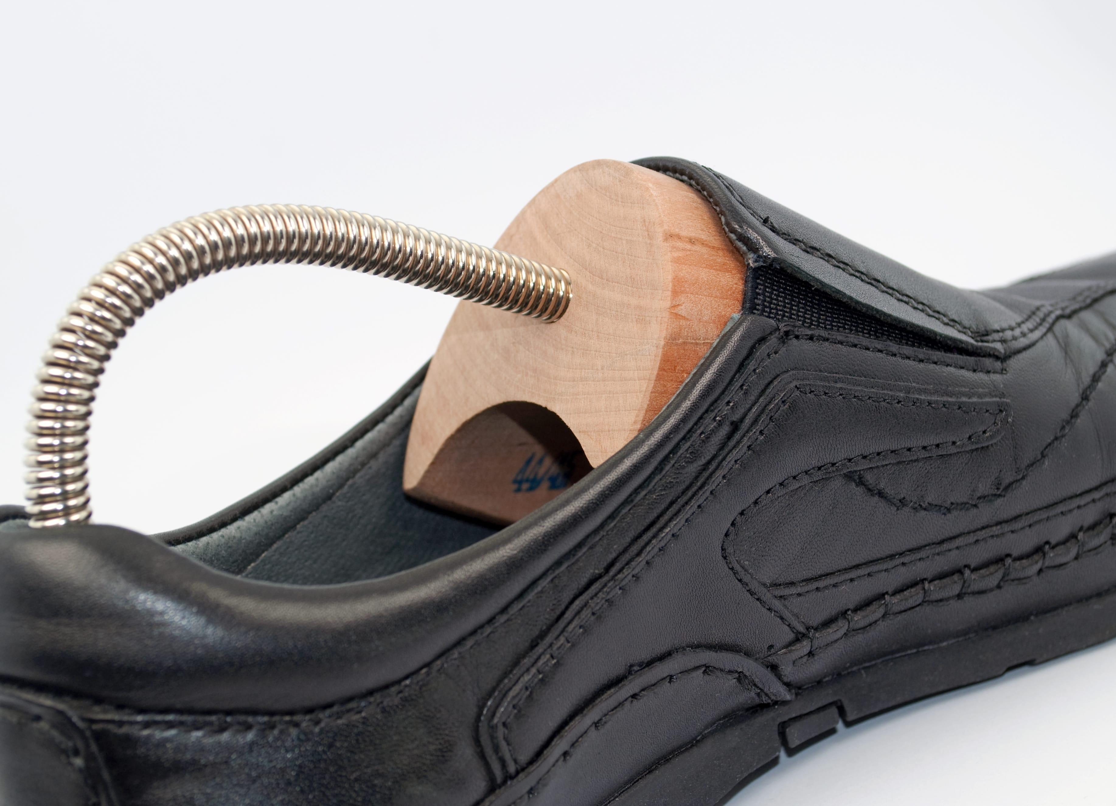 Schuhspanner selbst machen – So geht's!