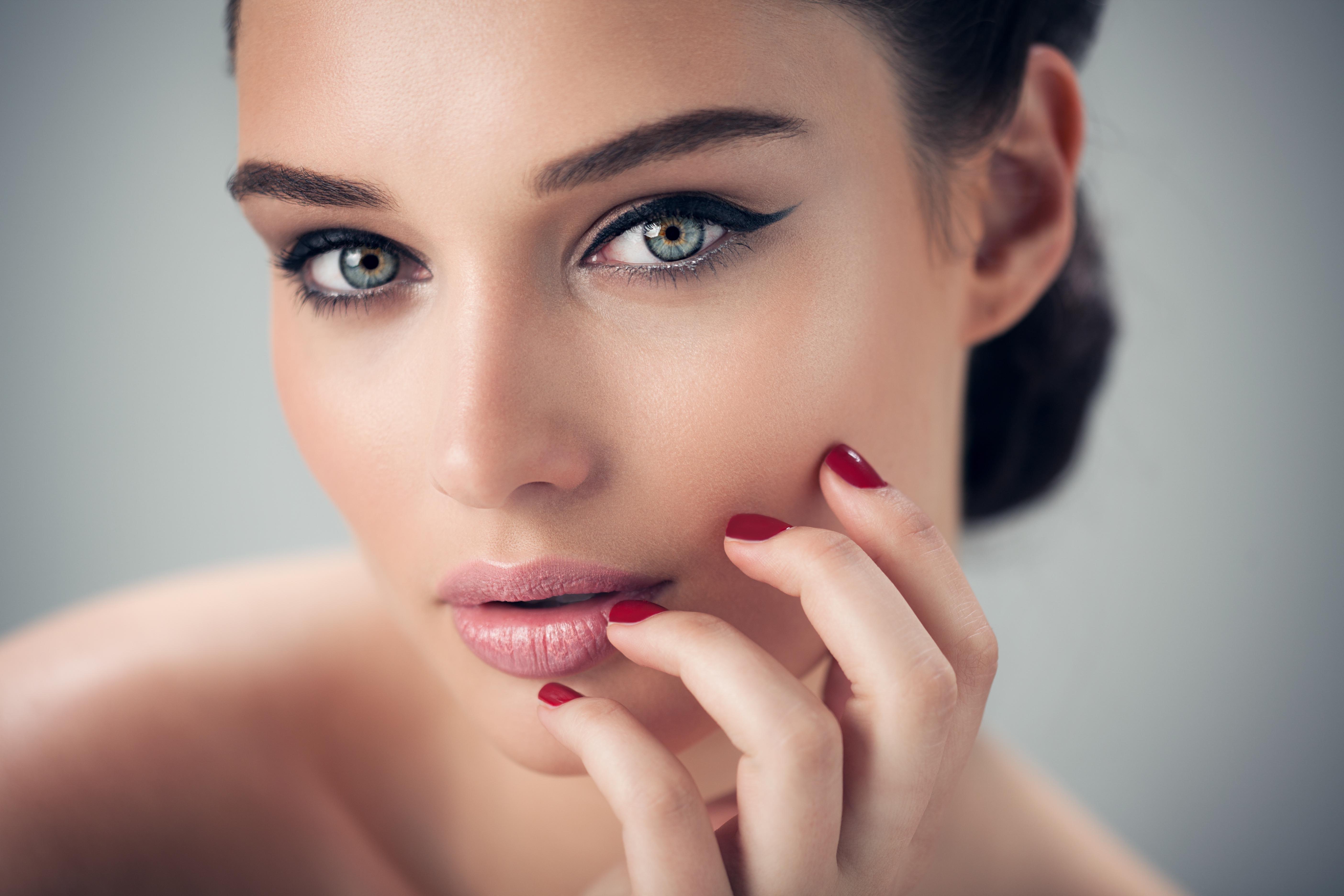 Langanhaltender Nagellack – So haben Sie lange etwas von den farbigen Nägeln