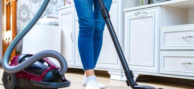 Staubsauger stinkt: Ursachen und wie Sie den Gestank beseitigen