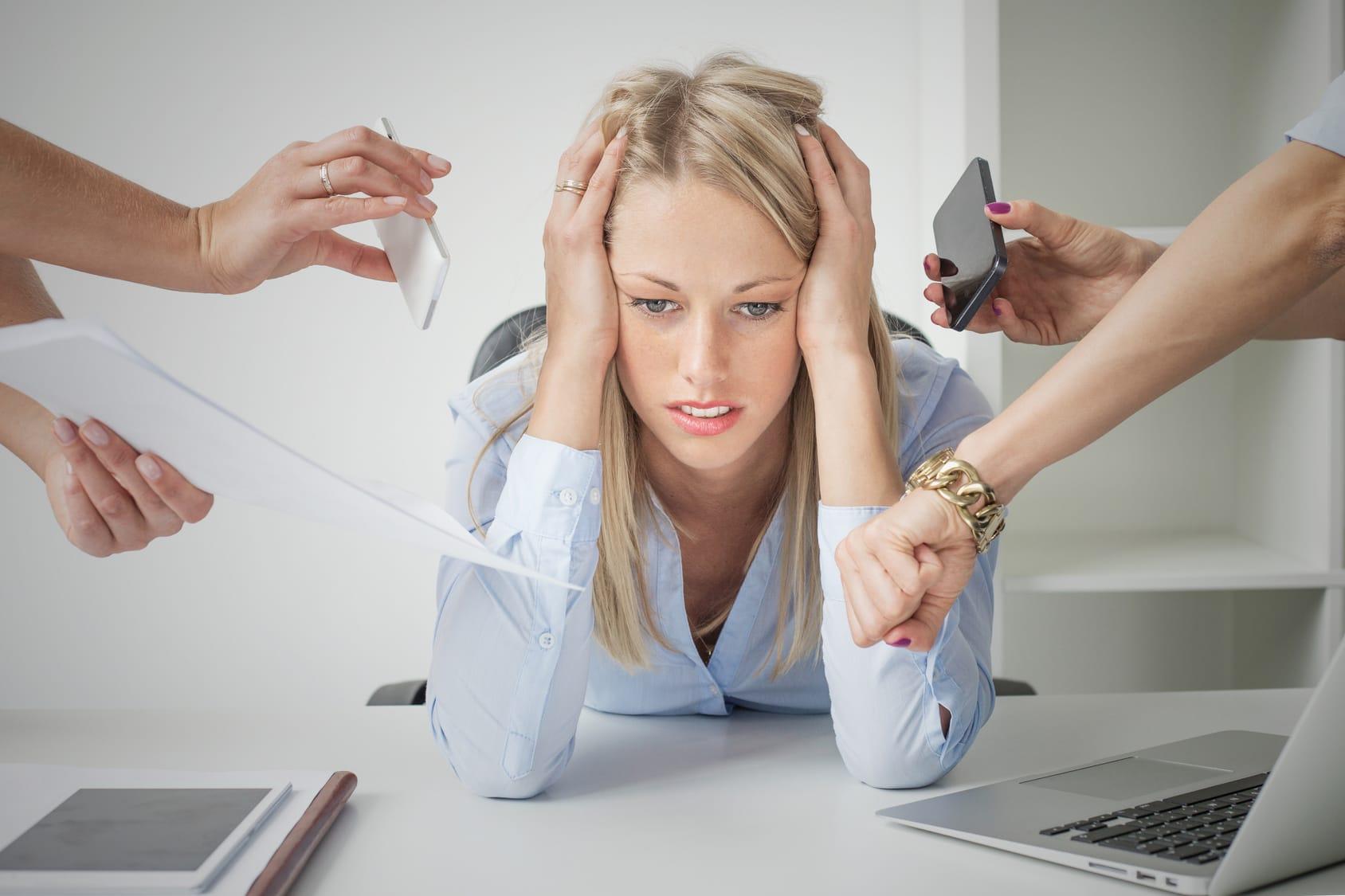 Stress am Arbeitsplatz vermeiden – 10 Tipps & Tricks!