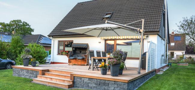 Beschattung der Terrasse – So schaffen Sie sich mit Sonnenschutz ein schattiges Plätzchen