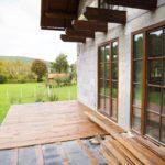 Terrassengestaltung mit Holz.