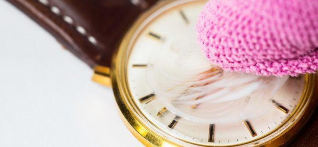 Uhrenglas polieren: Glanz erneuern und Kratzer entfernen