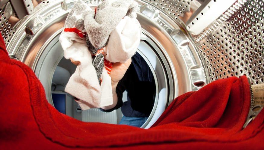 Verfärbte Socken werden wieder weiß