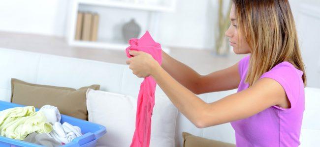 Wäsche entfärben: So retten Sie verfärbte Kleidung