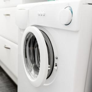 eingebaute waschmaschine in der kueche