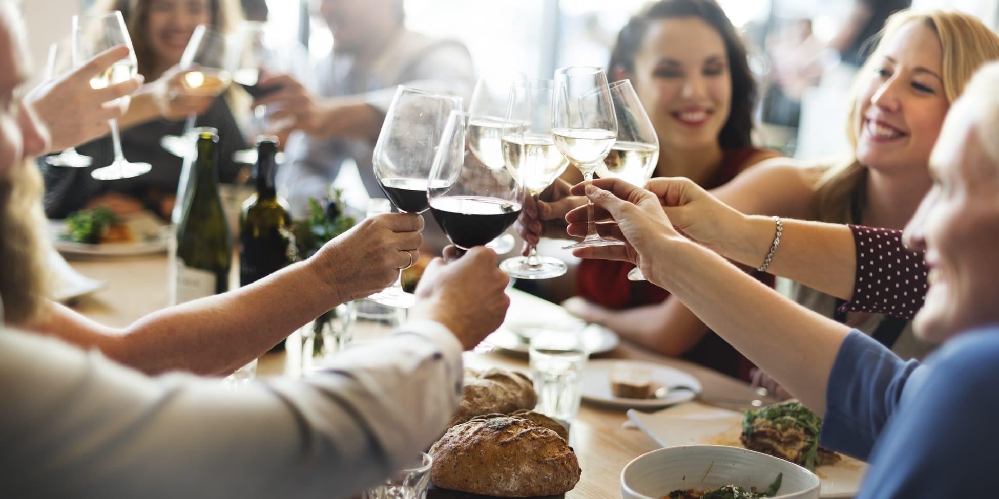 Weinflecken entfernen – 10 Tipps & Tricks