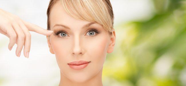 Eine Wimper im Auge: So entfernen Sie sie gekonnt