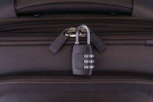 Zahlenschloss an einem Koffer