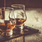 zwei whiskyglaeser